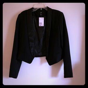 NWT H&M black cropped blazer with satin collars